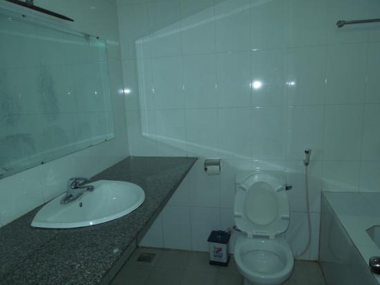 Valentine Hotel : Bathroom