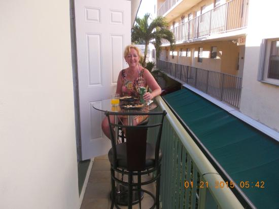 Suites on South Beach Miami: Balcony on kitchen side of our room
