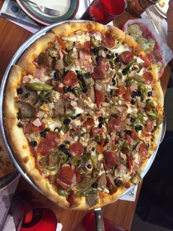 Tomatoes Pizzeria