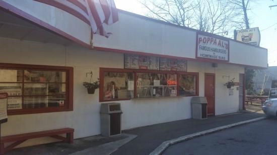 Poppa Al's Famous Hamburgers: Right on Hwy 22