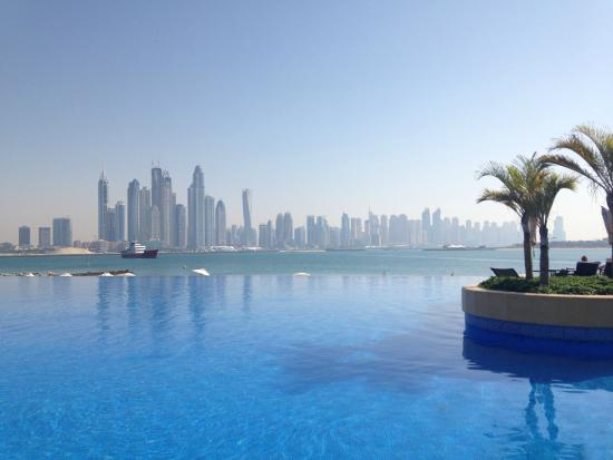 Club infinity pool picture of movenpick ibn battuta for Hotels with private pool in dubai
