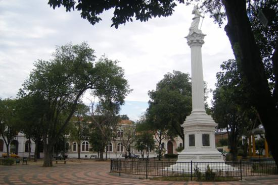 Plaza Parque Colon
