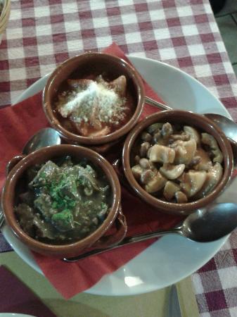 Osteria Da Checco Ar 65: Trittico: fagioli con cotiche, trippa, coratella con carciofi