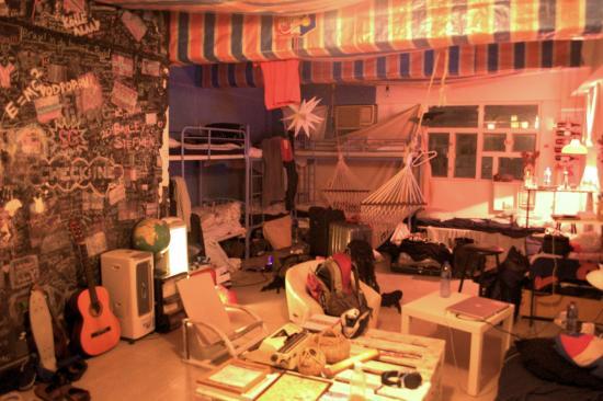 Tin Tong backpacker: Main room
