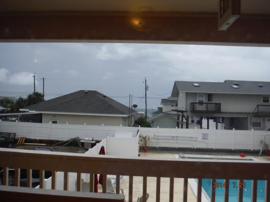Aqua View Motel: You can just see the ocean