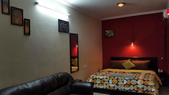 The New Casablanca (TNC): Room