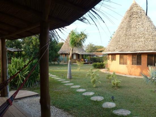 Hotel Playa Negra: Hotel Grounds - a few nice bungalows 100 m from beach