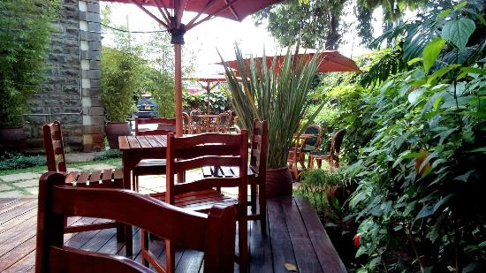 Mvuli House: Outside sitting area