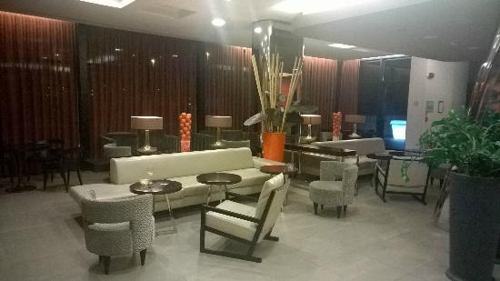 Blu Hotel Brixia: Lobby area2