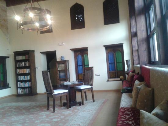 Spirit of the Knights Boutique Hotel : upper lounge