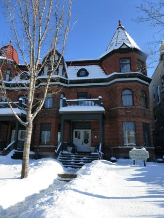 Auberge The King Edward Bed and Breakfast: l'auberge sous la neige