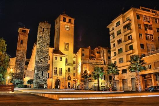 Il centro storico foto di savona centro storico savona for Centro dell arredamento savona