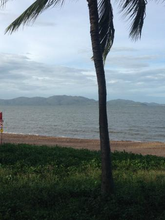 The Coffee Club: View of Magnetic Island