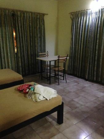 Tom's Hotel Bangalore: Spacious area