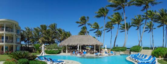 Cabarete East Beachfront Resort: The beach restaurant