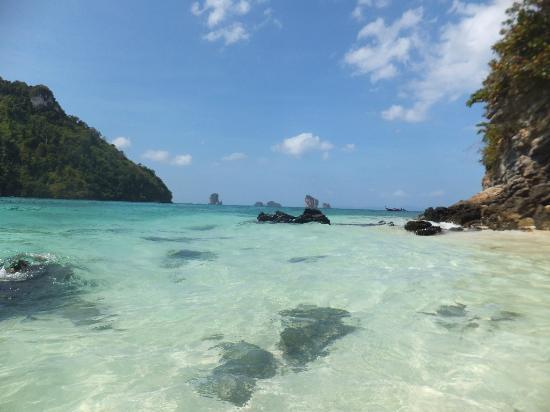 To many boats.. - Picture of Tup Island, Ao Nang - TripAdvisor