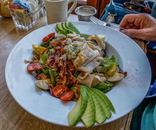 Victorian Corner: Lunch salad