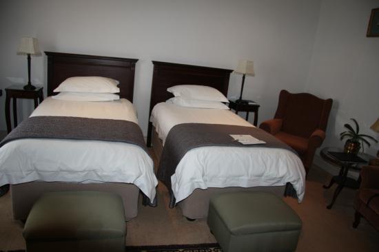 Hermanus Dorpshuys: grosse + gute Betten