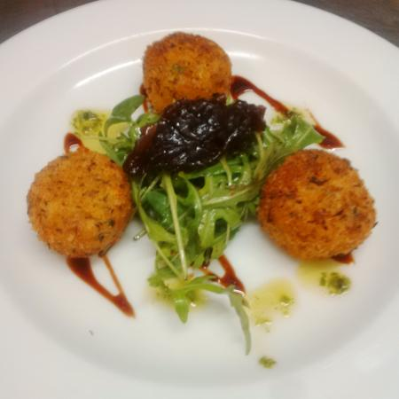 Pioneer Bar and Brasserie: goats cheese