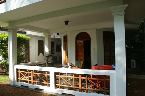 Amal Villa Apartments & Rooms: Zimmer mit Terrasse