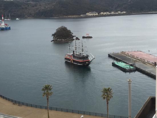 Kurofune Hotel: 窓からの黒船☆