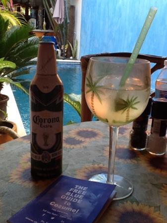 Casita de Maya: Perfect. Enjoying drinks right outside our room.