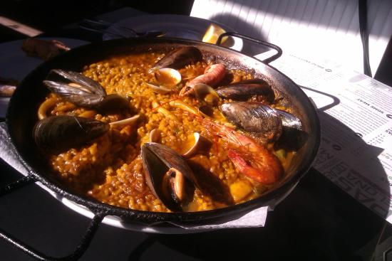 Tapas Locas: Seafood Paella
