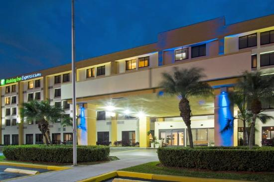 Hialeah Miami Lakes >> Fachada Do Hotel Picture Of Holiday Inn Express Miami