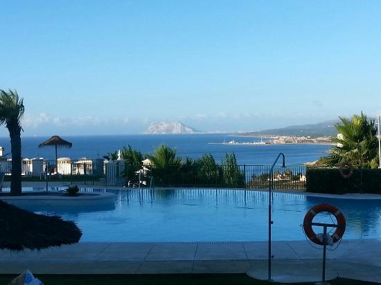 Vue piscine avec d troit de gibraltar picture of pierre for Club vacances ardeche avec piscine