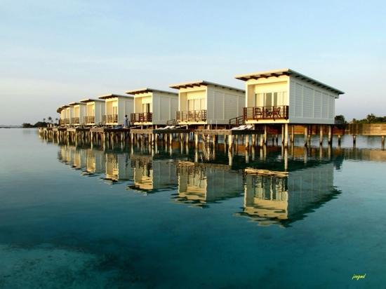 Holiday Inn Resort Kandooma Maldives : water villas