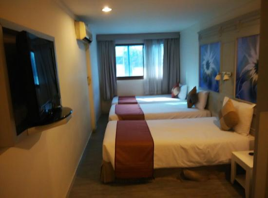 Pratunam City Inn: Triple room
