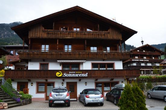 Haus Sonnwend: Sonnwend exterior with good parking