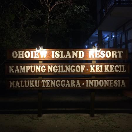 Ohoiew Island Resort malam hari