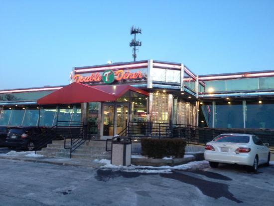 Double TT Diner: Entrance