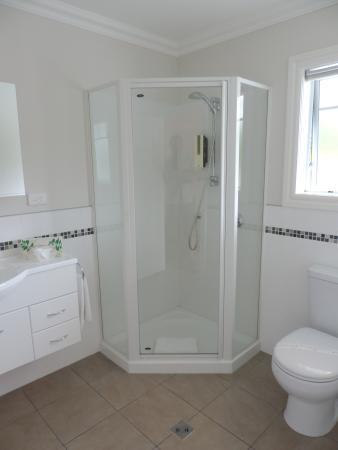 Kerikeri Park Lodge: Bathroom