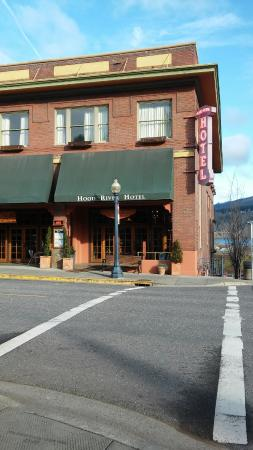Hood River Hotel: Centrally located