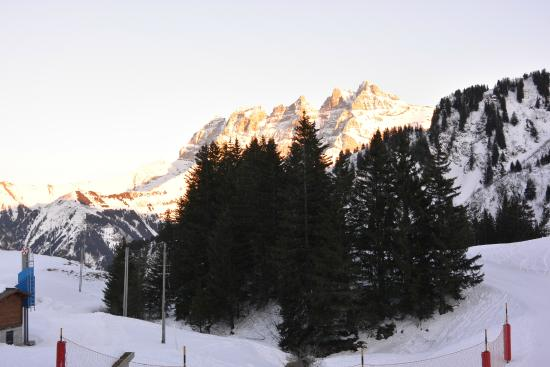 Hotel l'Etable : Mountains at sunset