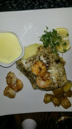 The Market Bar: Cod and prawns on bed of mash from gluten free menu. Fabulous!