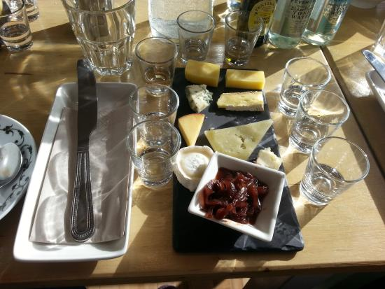 56 North: Cheeses and Gins before we got tucked in