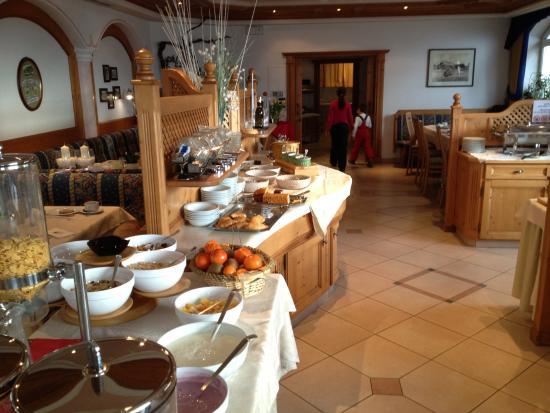 Hotel Amaten: Buffet colazione