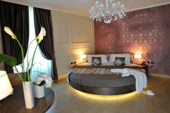 Hotel Il Corazziere : Show room Suite