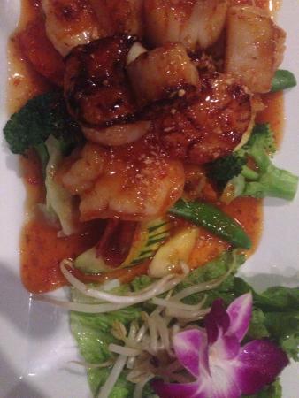 Tuptim Thai: Shrimp & Scallops