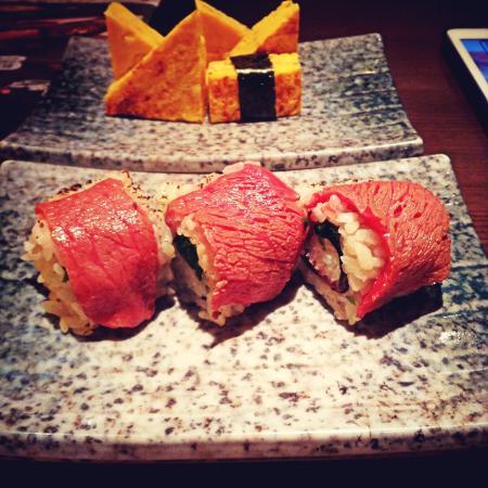ITAMAE-SUSHI Restaurant: Wagyu roll