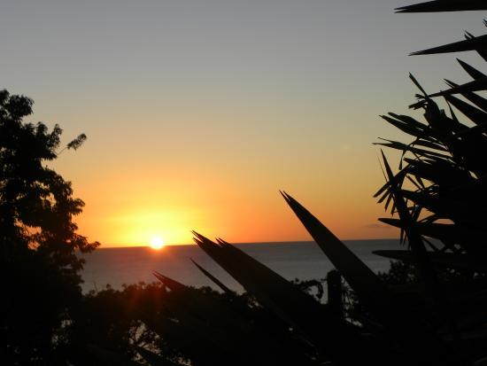 Rochers Caraibes-Eco Village : coucher de soleil depuis la terrasse