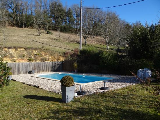 La Colline d'Orance : La piscine