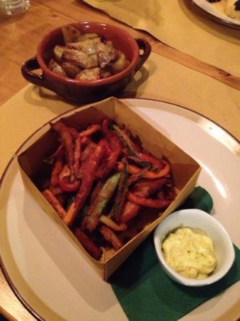 Il Rosmarino: fritto misto di pollo e coniglio con patate arrosto