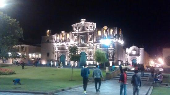 Gran Hotel Continental: Plaza de armas