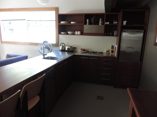 Leigh Sawmill Cafe and Accommodation : Kitchen area