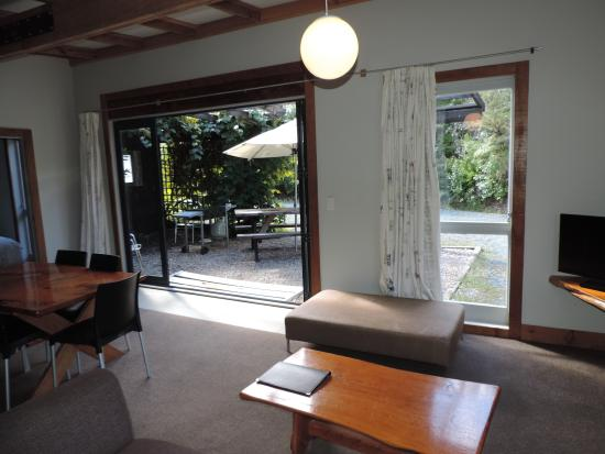 Leigh Sawmill Cafe and Accommodation : Lounge