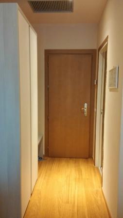 Primavera Hotel: accesso alla camera dal lato interno